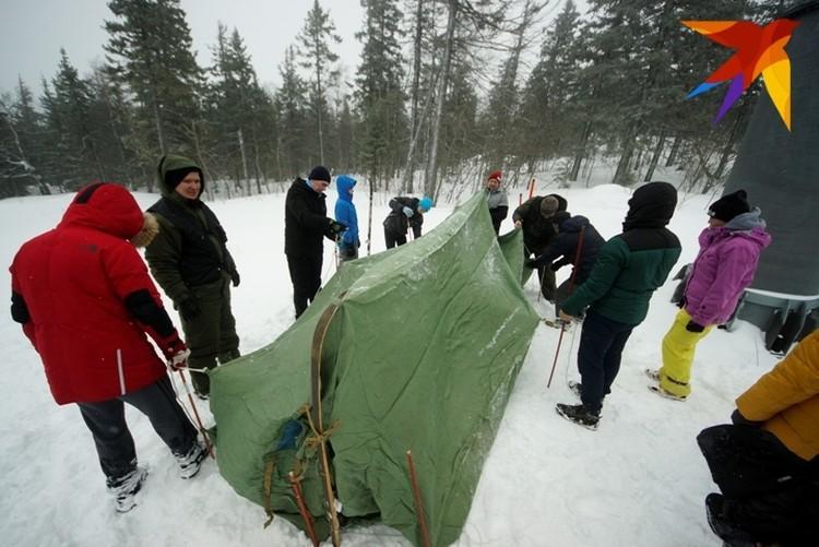 Палатку устанавливали на вершине горы.