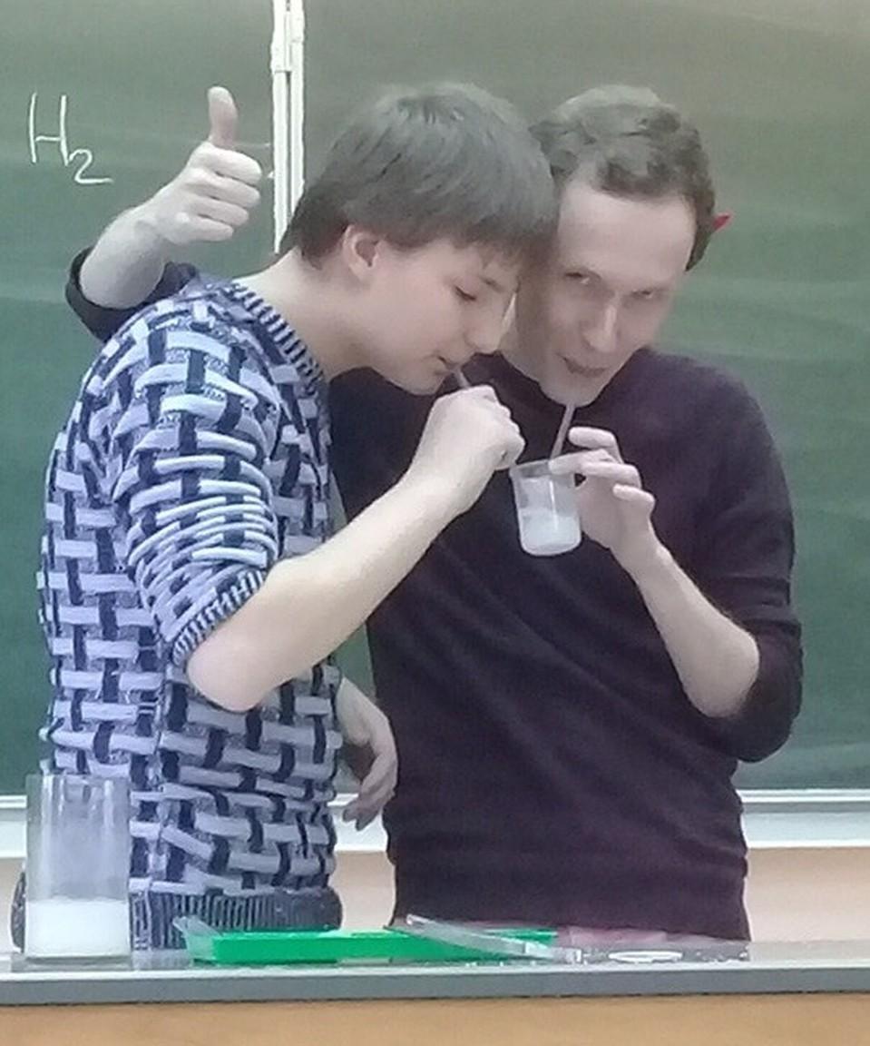 В Челябинской области учитель сдал ЕГЭ вместе с учениками ...