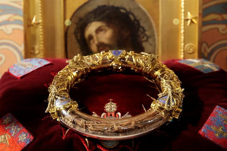 Реликварий с Терновым венцом Иисуса Христа, за который король Людовик Святой в XIII веке уплатил колоссальную сумму в 135 000 франков