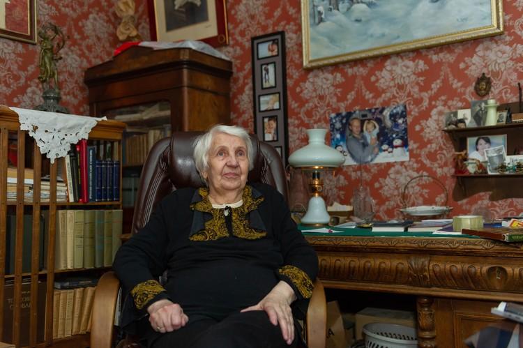 Антонина Николаевна встретила будущего мужа в электричке