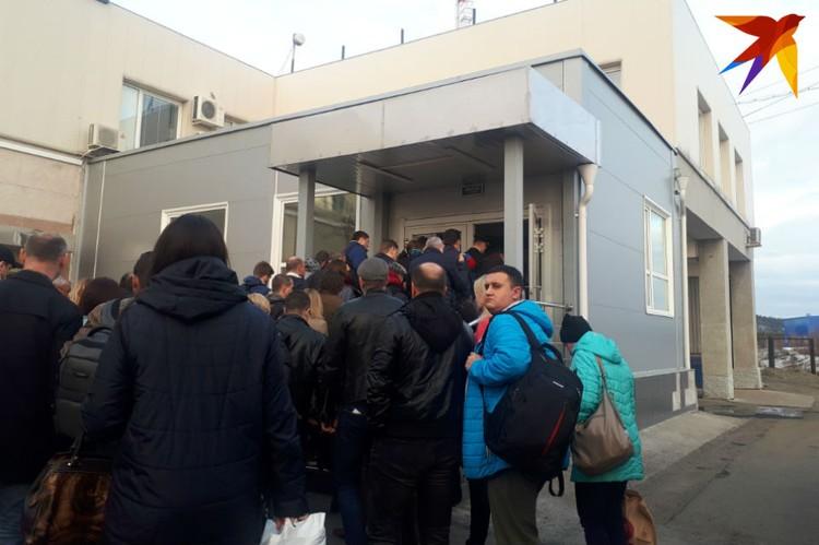 """Паники в аэропорту """"Мурманск"""" пока не наблюдается."""