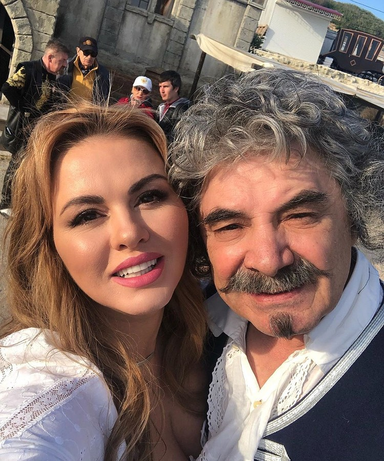 Анна стала женой Александра Панкратова-Черного. Фото:ann_semenovich/Instagram