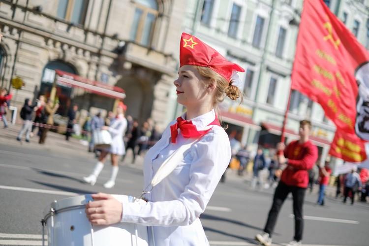 Петербургская маевка была по-весеннему праздничной