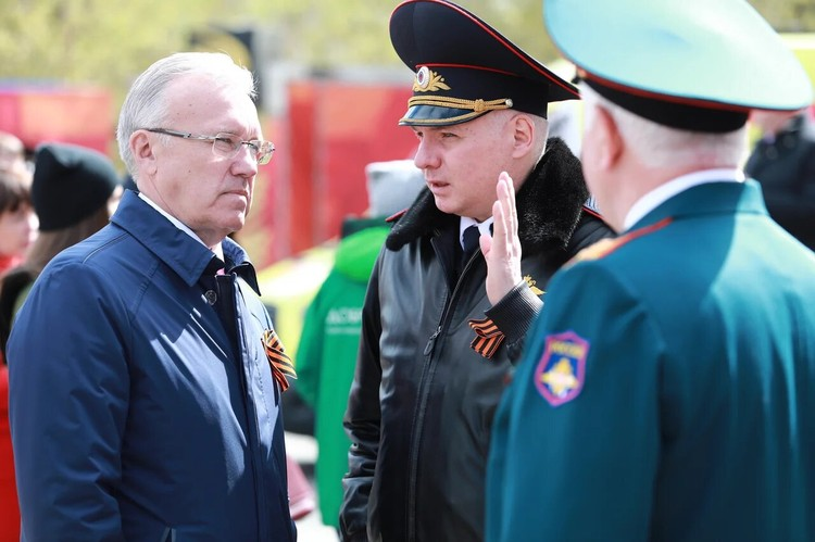 Первые лица города и края пришли поздравить ветеранов