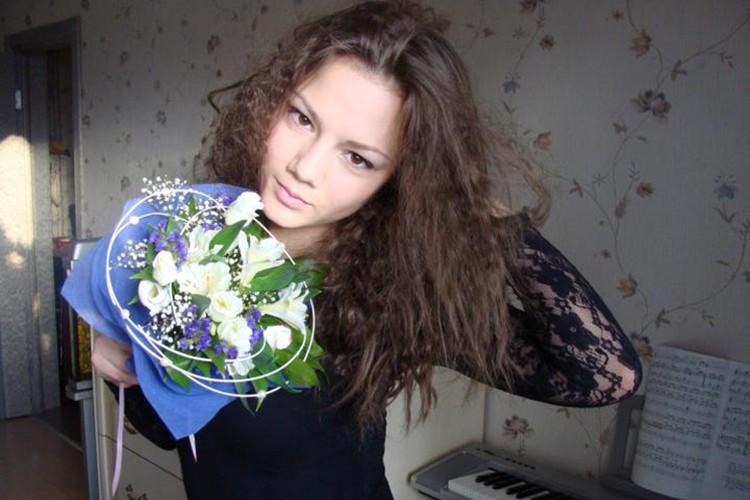 До переезда в Америку Полина Глен жила в Петербурге и была обычной девочкой.