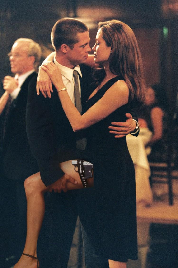 Единственный разговор между Энистон и Джоли состоялся в 2004 году, когда стало известно, что Брэд и Анджелина будут вместе сниматься в фильме «Мистер и миссис Смит».