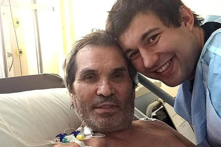 Понятно, что Бари Алибасов уже никогда не будет прежним – врачам придется ставить ему искусственный пищевод