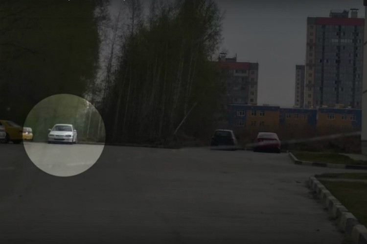 Угнанную машину парочка бросила в одном из дворов Новосибирска. Фото: пресс-служба УМВД России по Омской области