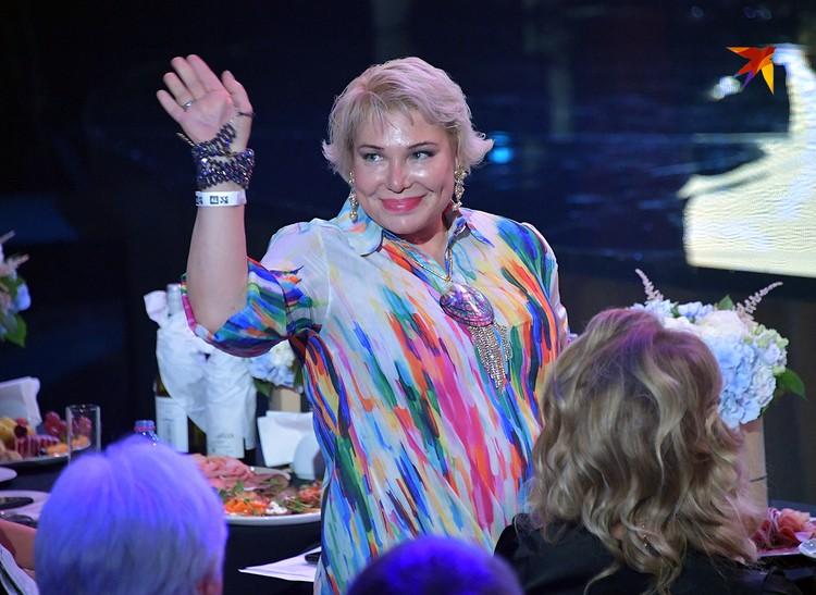 Директор конкурса Татьяна Андреева-Фальк в этот вечер получила титул «генеральши». Еще бы — 25 лет выслуги!
