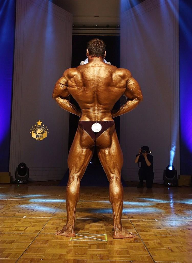 Андрей - скульптор своего тела
