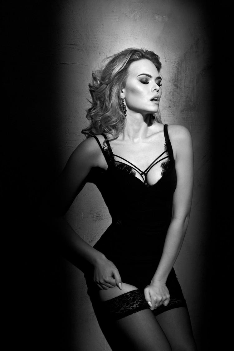 """Девушка называет себя моделью в стиле """"ню"""". Фото: Playboy"""