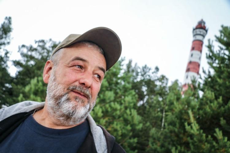 Олег Карепанов работает смотрителем с сентября 2009 года.