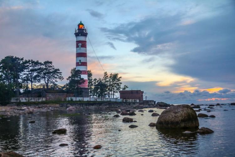 Шепелевский маяк славится не только своей красотой, но и историей.