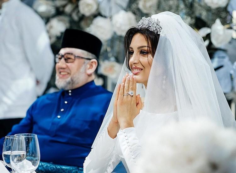 Свадьба Оксаны Воеводиной и монарха Малайзии Мухаммада V состоялась в ноябре 2018 г.