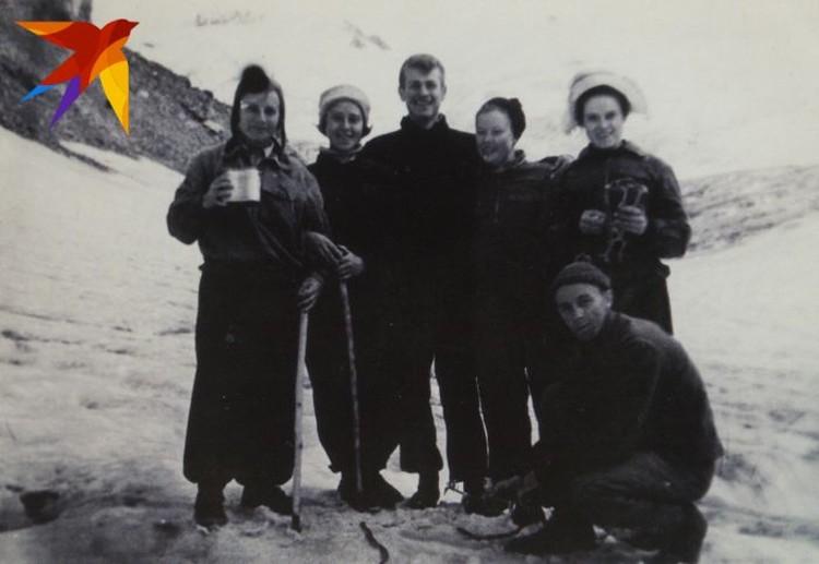 Туристам пришлось два дня провести на леднике, из-за того, что они не могли найти выход с него. Фото: предоставил Павел Тарзин