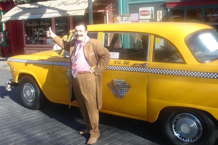Работая таксистом в Америке, Вилли Токарев рисковал жизнью.