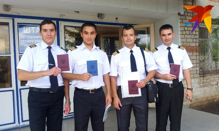 Дамир Юсупов второй справа. Фото: Дмитрий КАЧАН