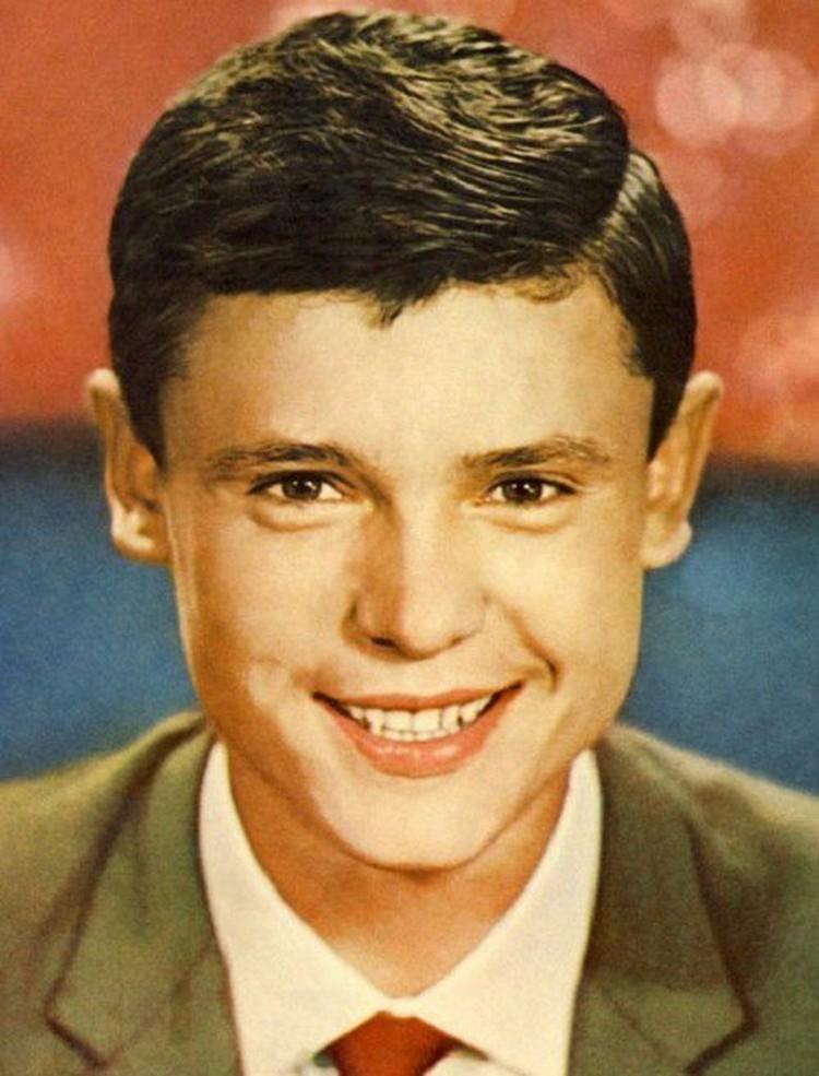 В кино Борис стал сниматься с 12-летнего возраста.