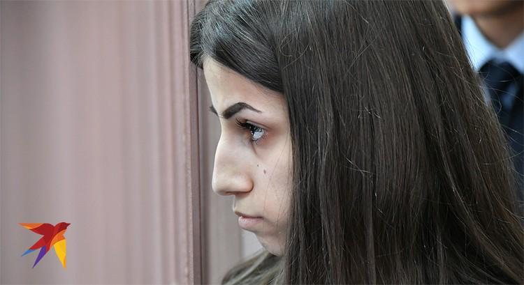 Ангелина Хачатурян закончила школу и сдала ЕГЭ на высокие баллы.
