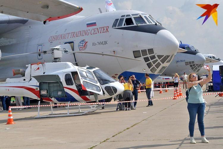 Показали на салоне и самолет-лабораторию ИЛ-76 МДК - в нем в режиме невесомости готовятся к полетам космонавты