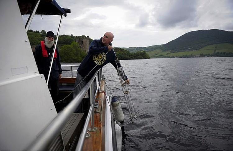 Профессор Нейл Геммель возлагал надежды на ДНК, сохранившуюся в озере.