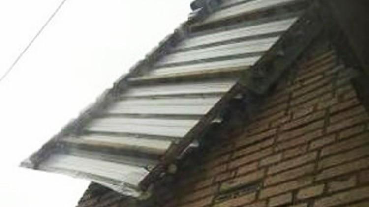 Еще одна сломанная ветром обшивка. Фото: dpskontrol_125rus