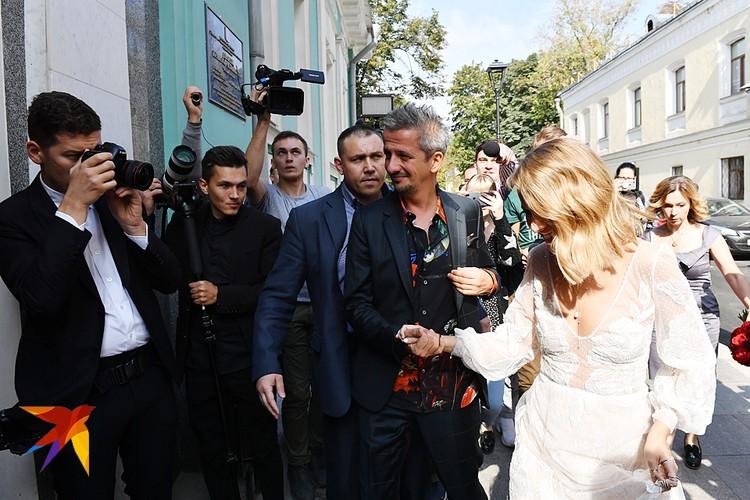 Сегодня состоялась свадьба Ксении Собчак и режиссера Константина Богомолова