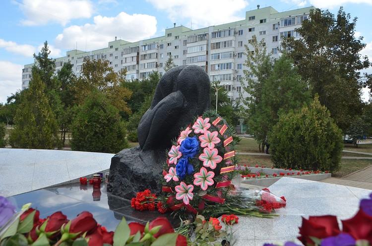 На месте трагедии установлен монумент. Фото: пресс-служба ЗС РО.