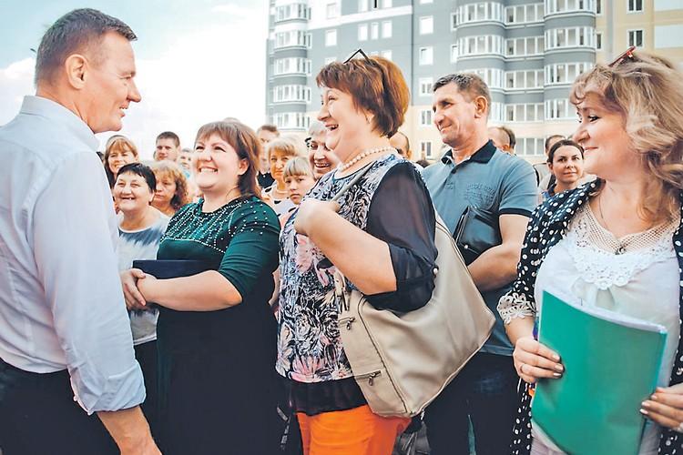 В Курске жители аварийных домов, десятилетиями ожидавшие решения своего квартирного вопроса, переехали в новостройки. Фото: adm.rkursk.ru