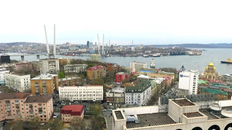 """Владивосток. В этом городе банда """"приморских"""" партизан впервые громко заявила о себе, напав на сотрудников милиции."""