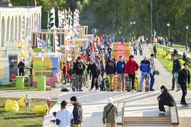 Скейтбордисты-участники фестивальной программы