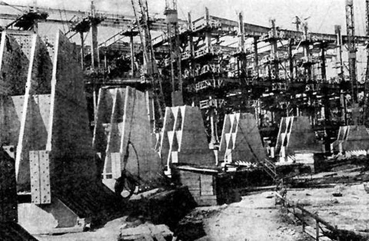 Строительство цоколя Дворца Советов, 1940 год. Фото wikipedia.org
