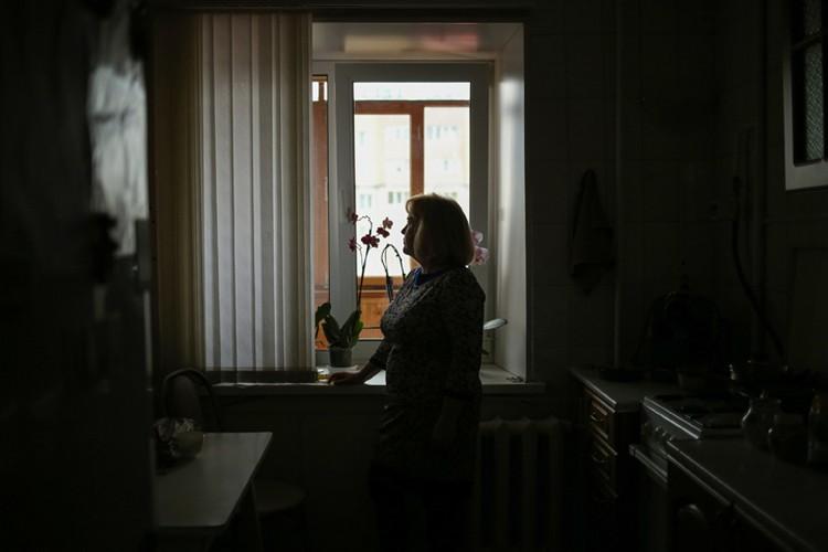 Наталья Басова живет под квартирой любителя конского ржания