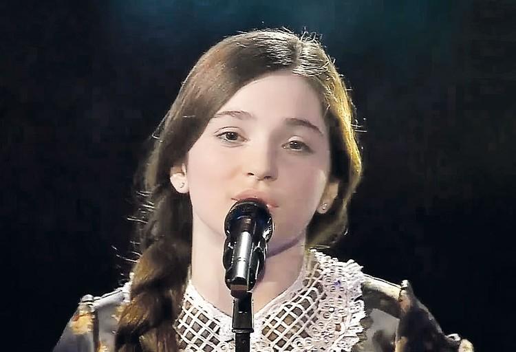 Юная Рагда Ханиева, финалистка первого сезона детского «Голоса». Фото: Первый канал