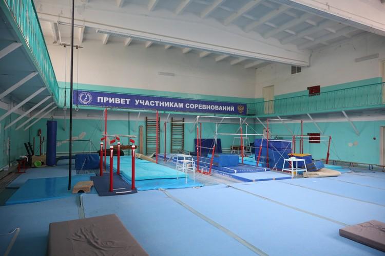 В этом зале занималась 5-летняя Лена Исинбаева, а сейчас ее дочь Ева. Фото: мэрия Волгограда.