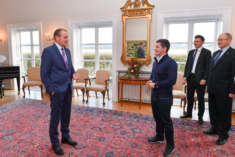 Во время встречи губернатор Ямала и Президент Исландии обсудили тему Северного морского пути.