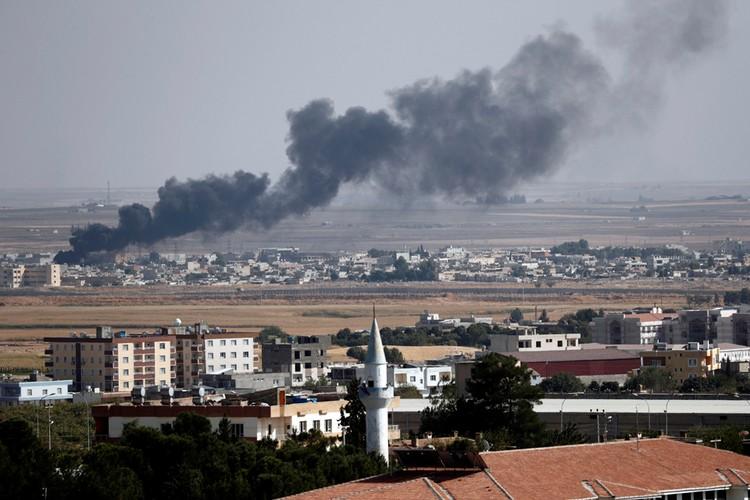 Турецкие войска нанесли удар по территории Сирии.