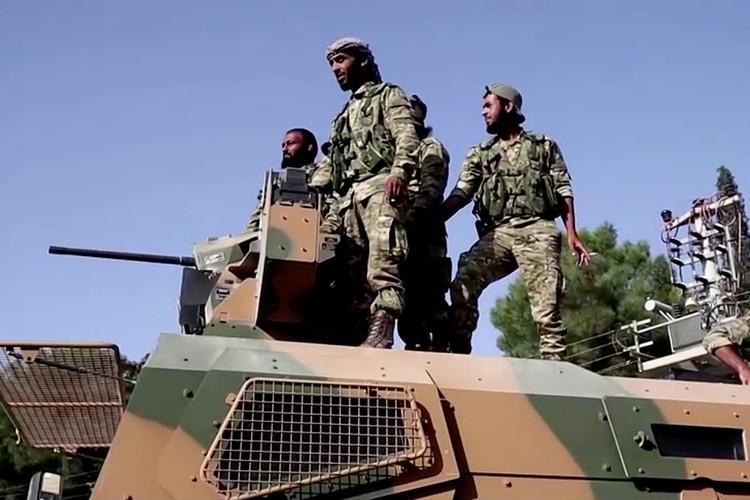 Сирийская армия как раз начала входить в города на Севере Сирии, где раньше были американцы