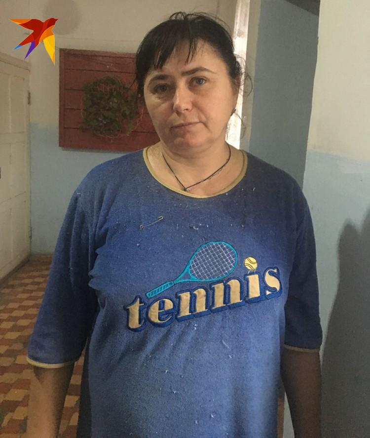 Елена Леонидовна Вершинина - милая женщина с добрым лицом.