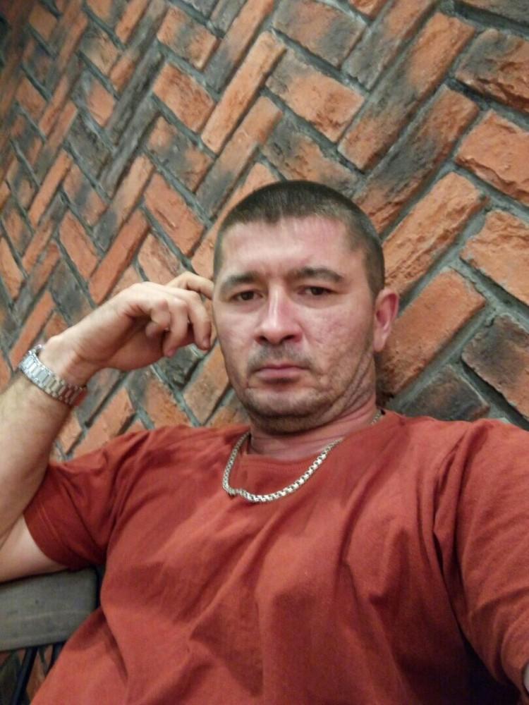 Марат - отец троих детей, всю жизнь работал таксистом. Фото: Vk.com