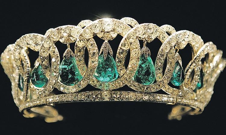 Владимирская тиара из коллекции Елизаветы II изначально принадлежала династии Романовых. А теперь на нее положила глаз новая афроамериканская родственница. Фото: Getty Images