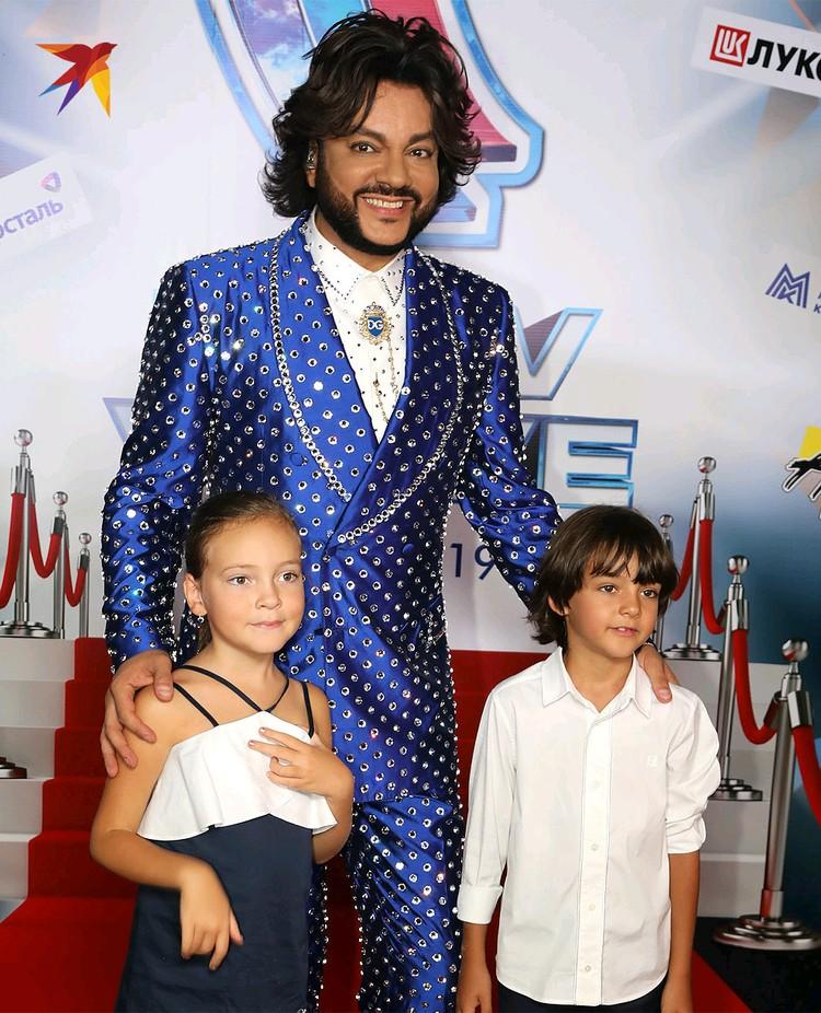 Певец Филипп Киркоров с дочерью Аллой-Викторией и сыном Мартином.