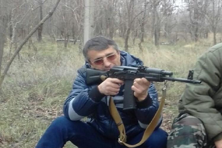 """Участники конфликта выкладывали фото с оружием в социальные сети. Фото: """"Одноклассники"""" Балауди Хусиханов"""