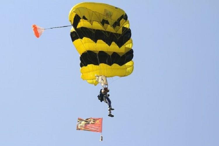 В федерации парашютного спорта уверены, что данное увлечение способно победить любую пагубную привычку. ФОТО: http://dussh-polet.ru