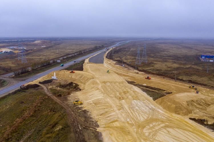 дорога пойдет над путями, и водителям больше не придется стоять на переезде. ФКУ Упрдор Москва-Волгоград
