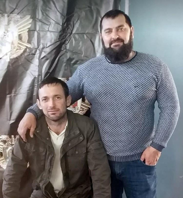Алдан Бациев (справа) был ранен и попал в реанимацию.