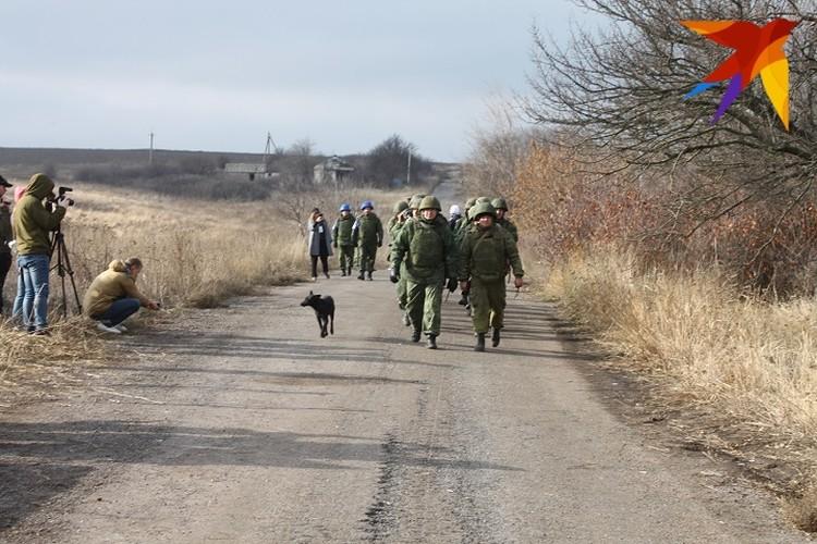 Бойцы НМ ДНР покинули позиции в районе участка разведения. С солдатами боевая собака
