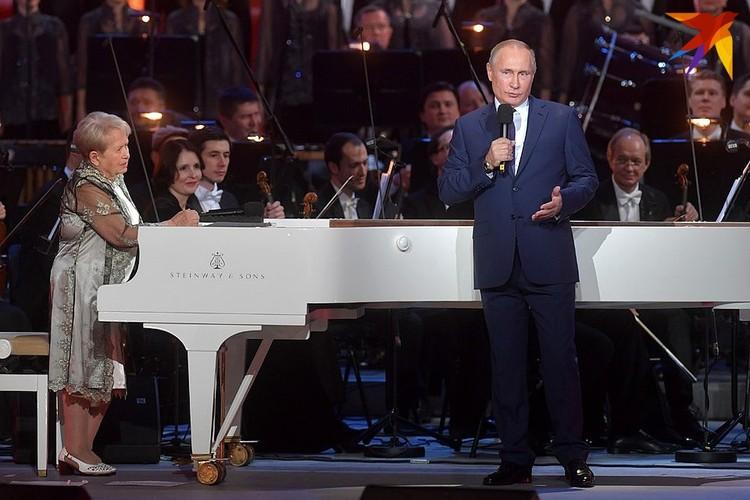 Путин напомнил об указе о награждении Александры Пахмутовой орденом Андрея Первозванного
