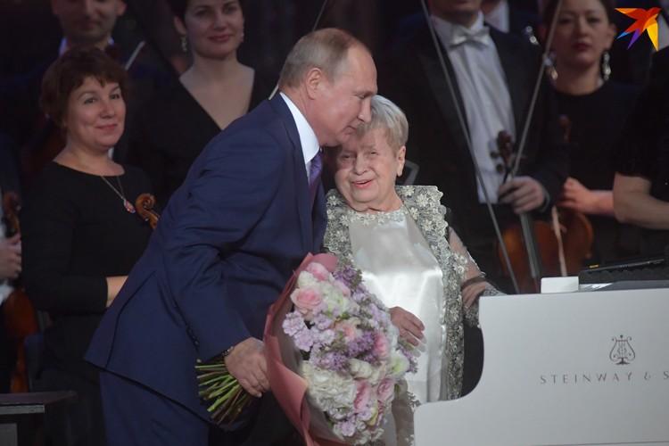 Легендарный композитор удостоена высшего ордена России