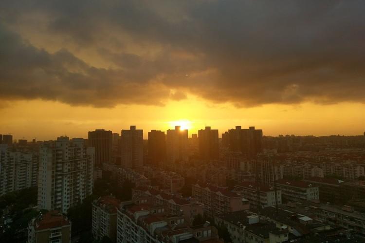 Такие закаты Екатерина наблюдала из окна своего дома в Шанхае целых 3,5 года